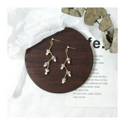 A-TT-225CRYSTAL White Pearl With Crystal Korean Elegant Earstuds