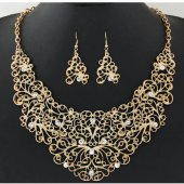 C10111458 Flowery vintage statement necklace & earrings set