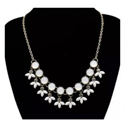 A-FG-LX0546 Small Flower Of White Beads & Crystals Gold Necklace