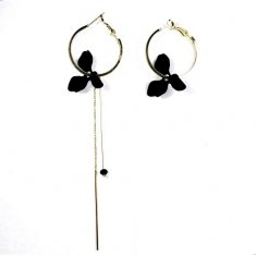 A-UK-2 BLACK PETALS ELEGANT HOOP EARRINGS MALAYSIA