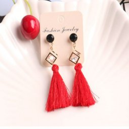 A-SQM-135red Red Tassel Crystal Cube Black Bead Earstud Shop