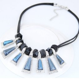 C0150730142 Triangle geometry shiny crystals dinner necklace