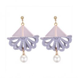P131369 Grey Flower Triangle Pearl Tangling Cute Korean Earstuds