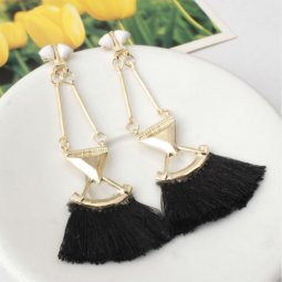A-SD-EH0149black Black Tassel Gold Triangle Dangling Earstuds