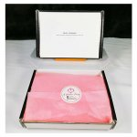 L-UN-BBblack Black Border Gift Box with Pink Wrappers