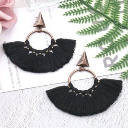 A-HH-HQEF1218BLACK Black Vintage Triangle Tassel Earstuds