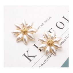 A-SD-ER0624 - Gold Classic Pearl One Flower Earring