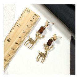 A-TT-633 Vintage Golden Reindeer With Woods Trendy Earstuds