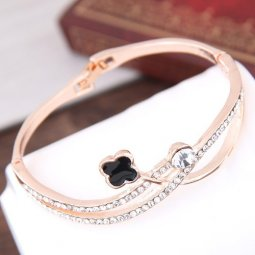 C016060190 Black Clover Shiny Crystals Gold Bangle Malaysia