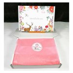 L-UN-BBflora Flora Design White Gift Box with Pink Wrappers