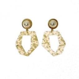 A-LG-ER0661-Beige Pearl Enam Shape Earstuds Earrings