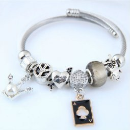 C100922177 Black Poker Card Silver Charm With Pearl Bracelet