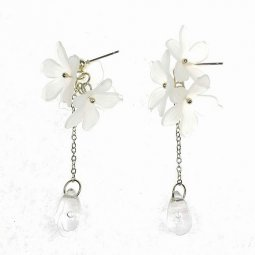 A-TT-978white White Petal Flower Korean Earrings Malaysia Trend