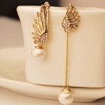 C10062544 Gold shiny wings pearl dangling korean earstuds