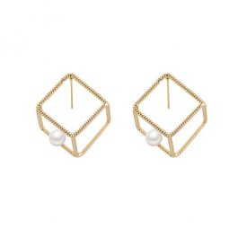 A-TT-1063CUBE Gold Cube With White Pearl Trendy Earstuds