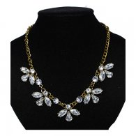 A-ZF-xl01789 Semi Flower White Crystal Beads Statement Necklace