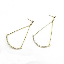 A-TT-UK-4 GOLD TIANGLE WITH DAIMOND EARRING