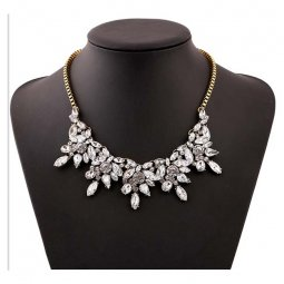 A-H2-100X1661 White Silver Crystal Elegant Style Statement Neckl