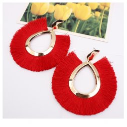 A-SD-EH077red Red Spread Tassel With Gold Oval Ring Earstuds