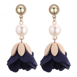 P130507 Navy Blue Elegant White Bead Flower Earstuds