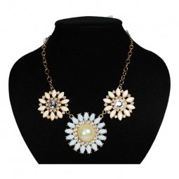 A-ZF-JN023126 Pastel Blue Sunflower Beads Statement Necklace