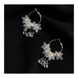 A-TT-51FLOWER White Flowers With Clear Crystals Elegant Earstuds