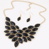 C015062272 Black beads leave choker necklace & earrings set