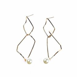 A-LG- ER0764 Gold Classic Square Pearl Korean Earstuds