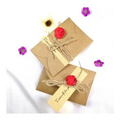 A-LH-RED Vintage Brown Paper Gift Card With Cute Red Rose
