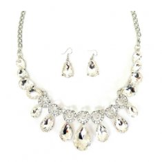 A-QF-JN0464white Elegant Dinner White Gems Statement Necklaces