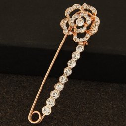 C110303100 Rose crystal pin premium brooch malaysia shop