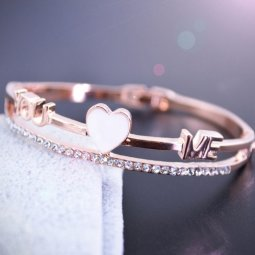 C016060189 Loving U White Heart Korean Inspired Bangle