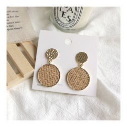 A-TT-575ROUND Light Coffee Brown Round Rattan Patterned Earstuds