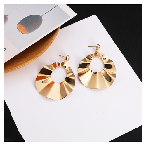 A-LG-ER0659g Korean Style Dangling Wavy Oval Gold Earstuds - Click Image to Close