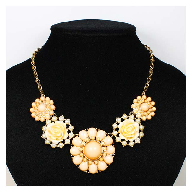 A-OSD-201310 Peach Flower Enchanted Statement Necklace Fashion - Click Image to Close