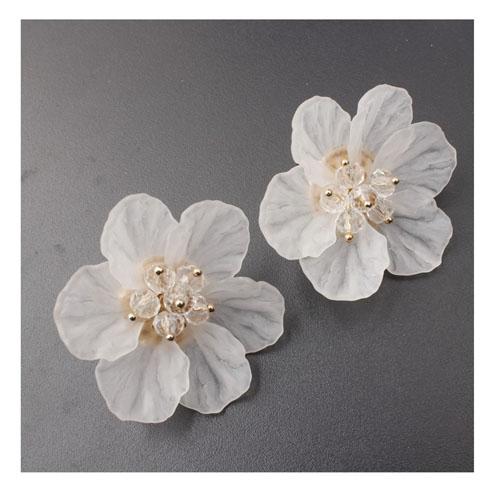 A Sd Xl0136white White Six Petals Flower Korean Earrings H0782