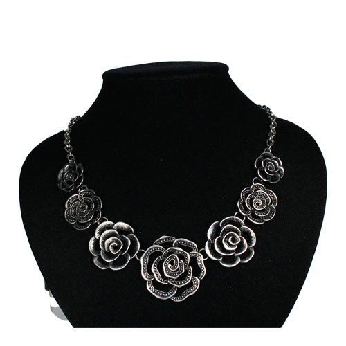 A-UK-silverR Silver Rose Multi-sizes Statement Necklace - Click Image to Close