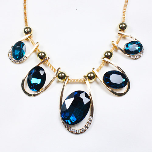 B-W-Blue00 Charming Blue Diamond Beads Flower Inspired Necklace - Click Image to Close